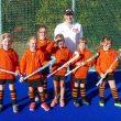 Neue Trikots von Allfinanz Wegner sind der neue Glücksbringer der Schweinfurter Hockey-Mädels